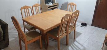 طاولة سفرة  مستعملة قابلة للتوسعة + ٦ كراسي