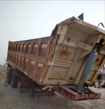 صندوق قلاب للبيع 28 متر