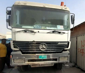 2000 Mercedes 6 wheel in very good condition
