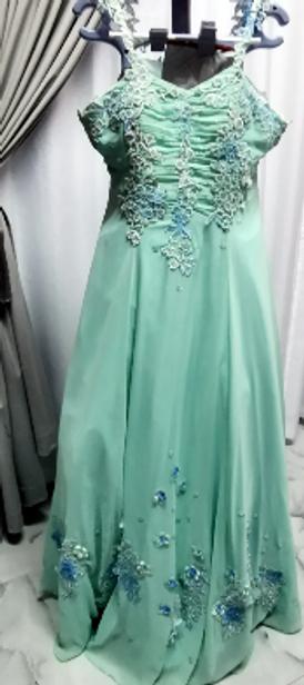 4 dresses for sale