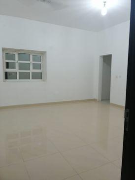 4 bed rooms hall 4 bath at al shamkha