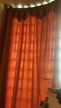 6 pieces curtain 25 dhs each piece