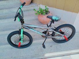 Advanced US Razor BMX stunt freestyle bike