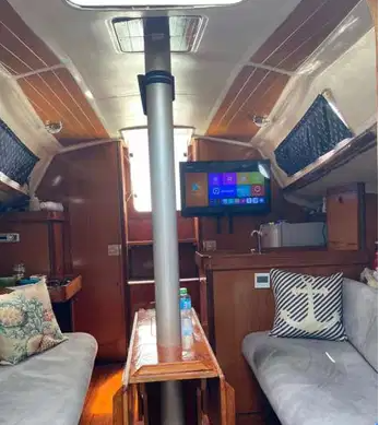 Beneteau Sailboat (Fully Loaded)