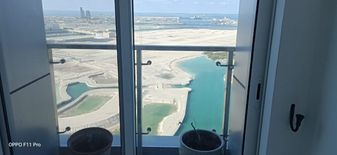 Big Master room ًWith sea view balcony in A l Reem island