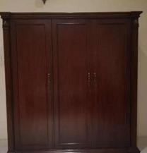 Dark brown 3 door cupboard
