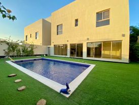 Modern villa with 5 bedroom