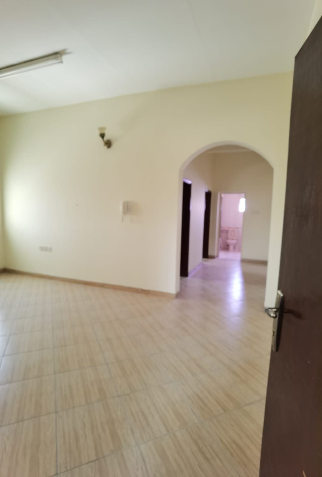 For rent an office apartment in Tubli consisting of two rooms, two bathrooms, a hall and a kitchen on the second floor without an elevator, 150 dinars