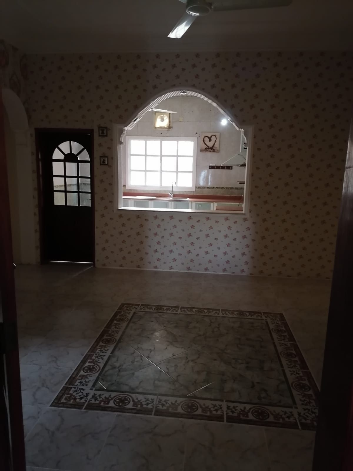 For rent an upscale apartment in Jed