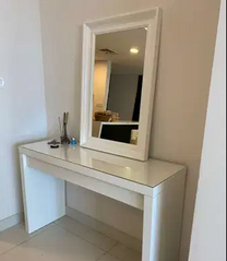 For sale dressing table with a mirror