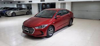 Hyundai Elantra 2017 (Red)