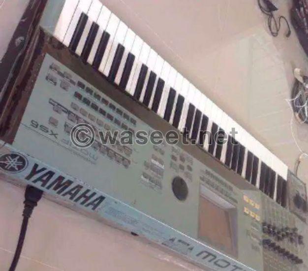 Keyboard motif xs6 for sale