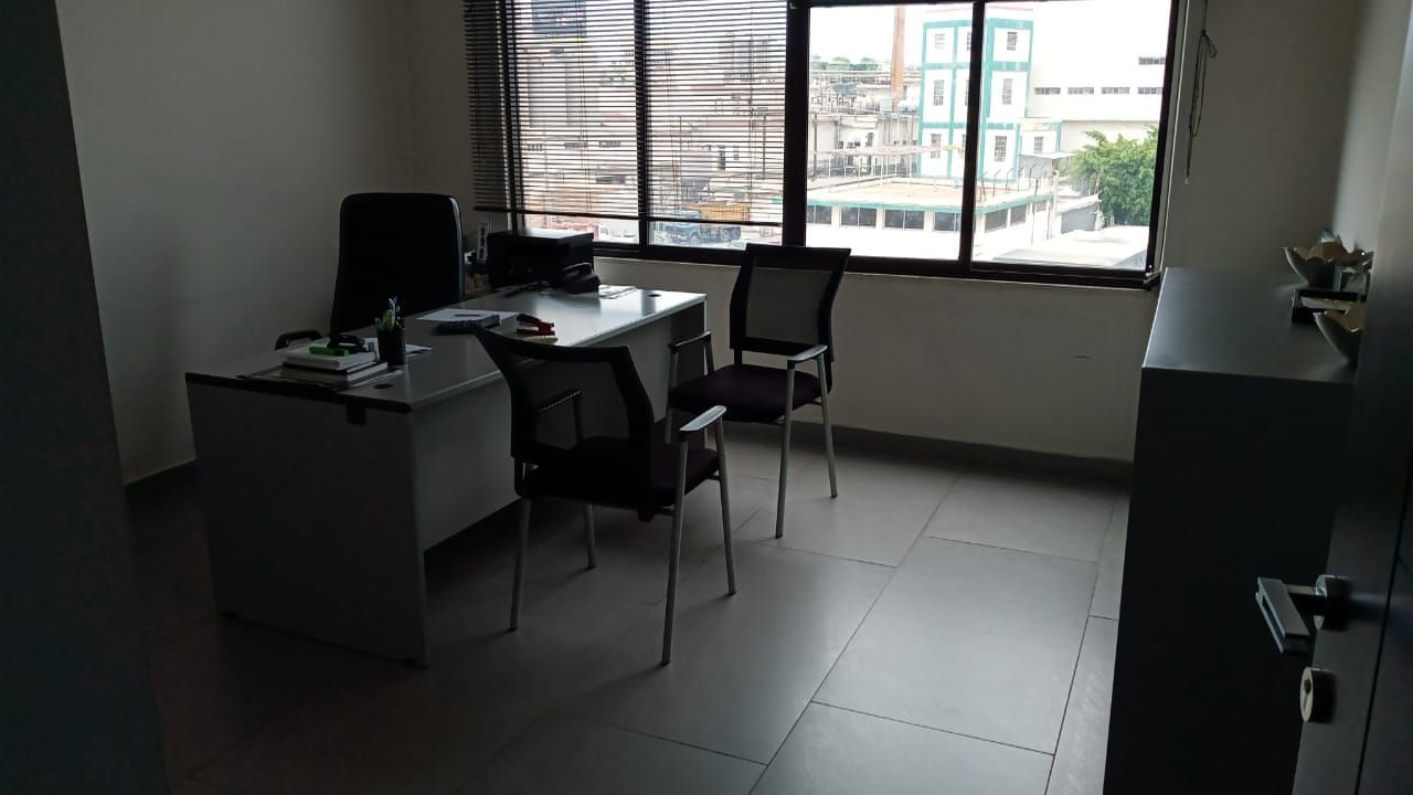 Office for Sale in Jdeideh Facing the Highway