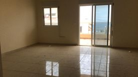 Apartment with Terrace for Sale in Halat