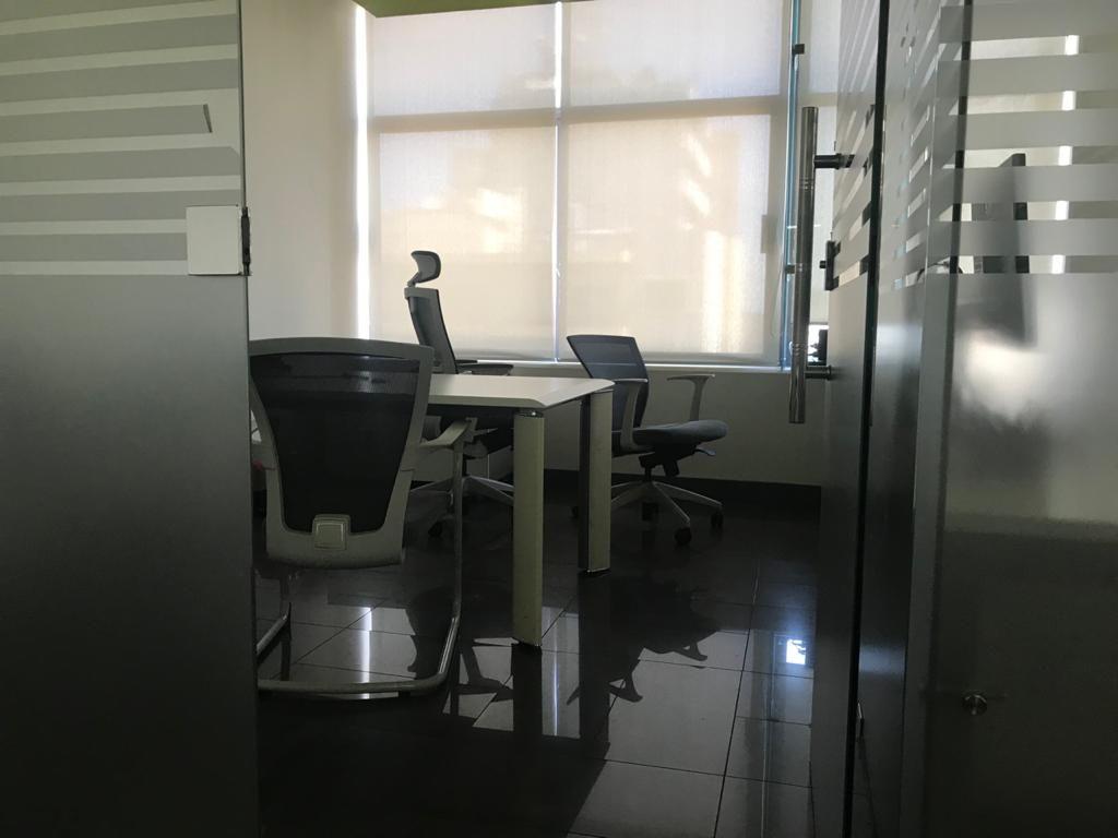 Office for sale in Dora