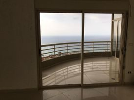 Deluxe Apartment for Sale in Halat