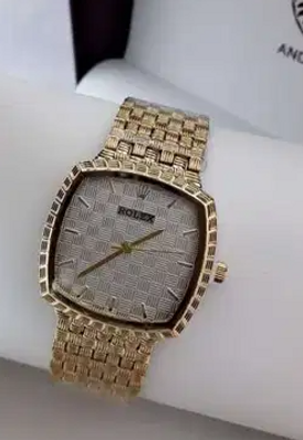 Ladies luxurious fancy watch