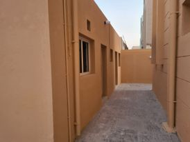 Large Stand Alone villa At Abuhamour
