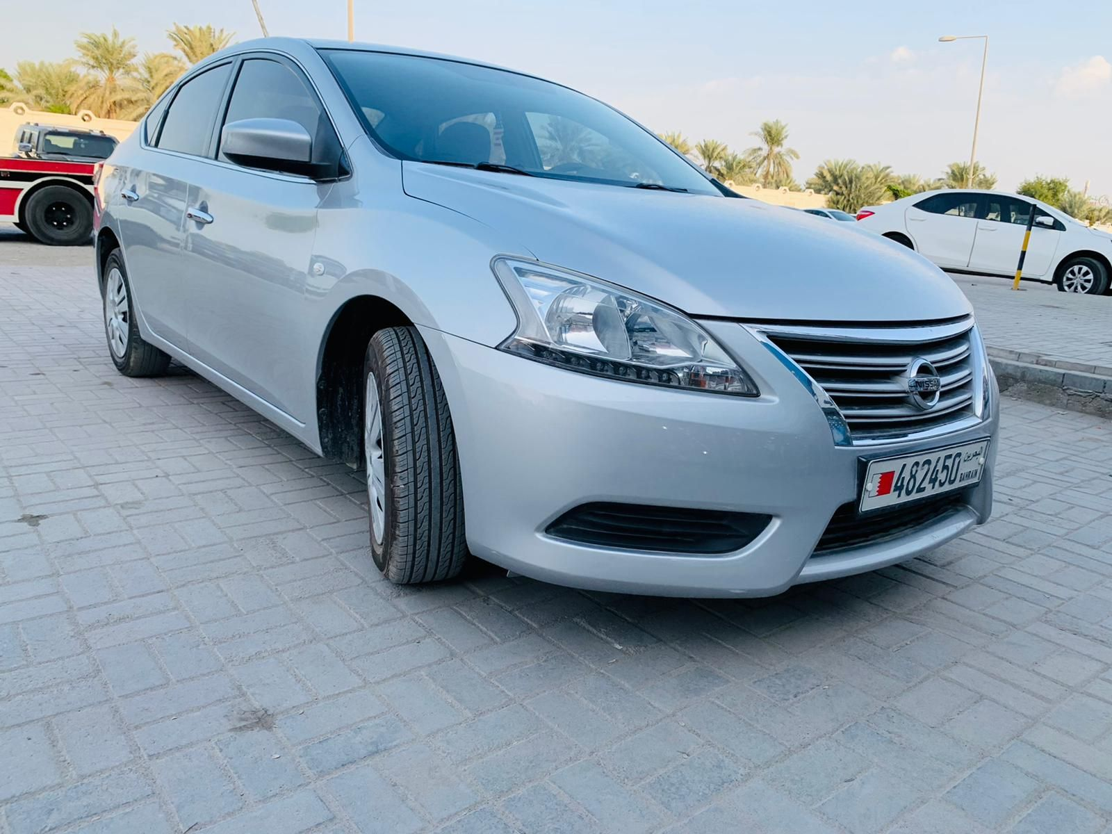 NISSAN SENTRA MODEL 2014 GOOD CONDITION