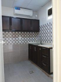 غرفة نوم واحدة حمام في الشامخة 2500 شهري...
