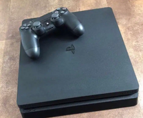 Ps4 slim used 3 months