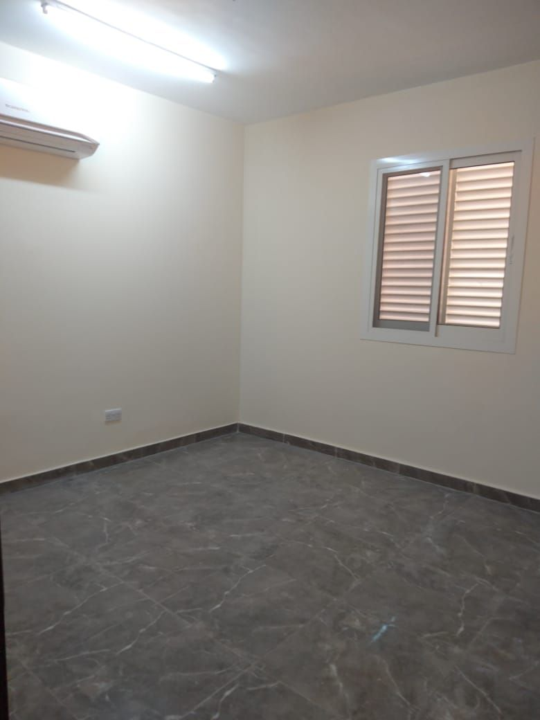 SPACIOUS 2BHK COMPRISES FULLY FITTED KITCHEN, LARGE OPEN LIVING ROOM IN AL SHAMKHAH