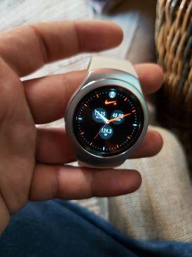 للبيع ساعة Samsung galaxy Gear S2