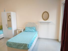 Sharjah Luxury sharing flat for girls