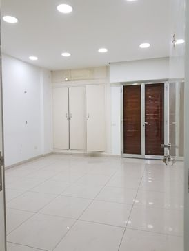 Showroom for Rent in Jal El Dib