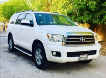 TOYOTA SEQUOIA MODEL 2010 GOOD CONDITION