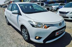 TOYOTA YARIS MODEL 2015 GOOD CONDITION