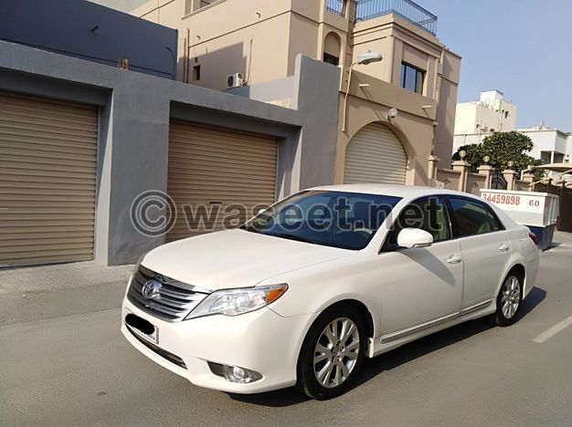 Toyota Avalon 2011 (White)