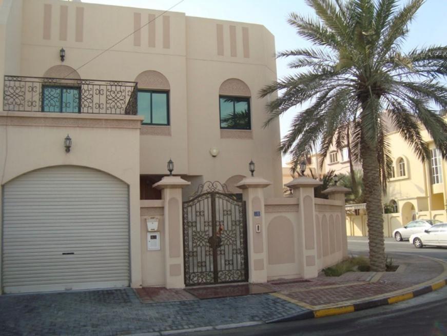 Villa for rent in Hidd