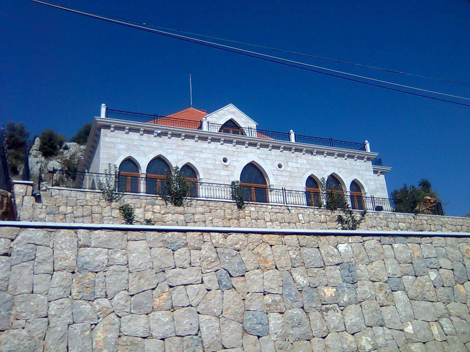 Villa for rent in kfardebian
