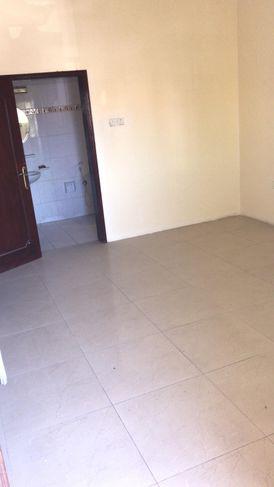 commercial flat for rent in busayteen