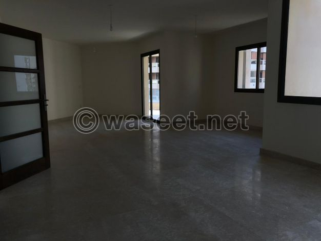 apartment for sale in Ras Beirut 220m