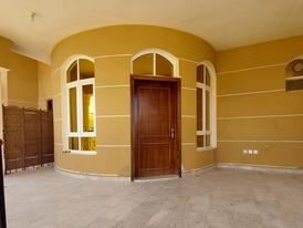 2 Bedrooms Hall 3 Bathrooms with yard at Al Shamkha