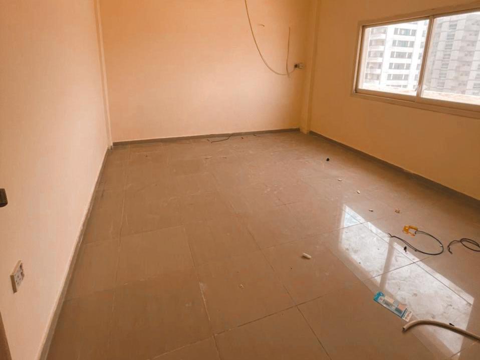 شقة مكونة من غرفتين وصالة للايجار