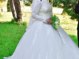 بدلة عروس بحالة جيدة
