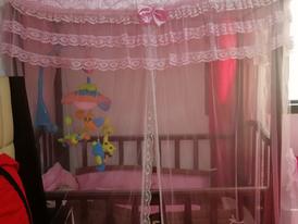 تخت طفل للبيع