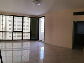 Beautiful studio for rent in Alkhalidiyah