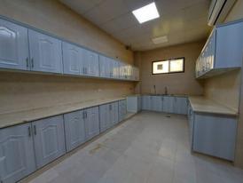 HUGE 3 BEDROOMS GROUND FLOOR IN AL SHAMKHA