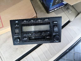 TOYOTA AVALON 2000 TO 2004 ORGINAL RADIO