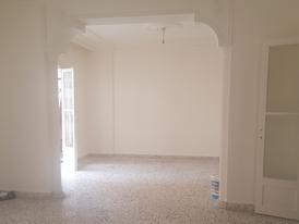 شقة للبيع في برج أبي حيدر