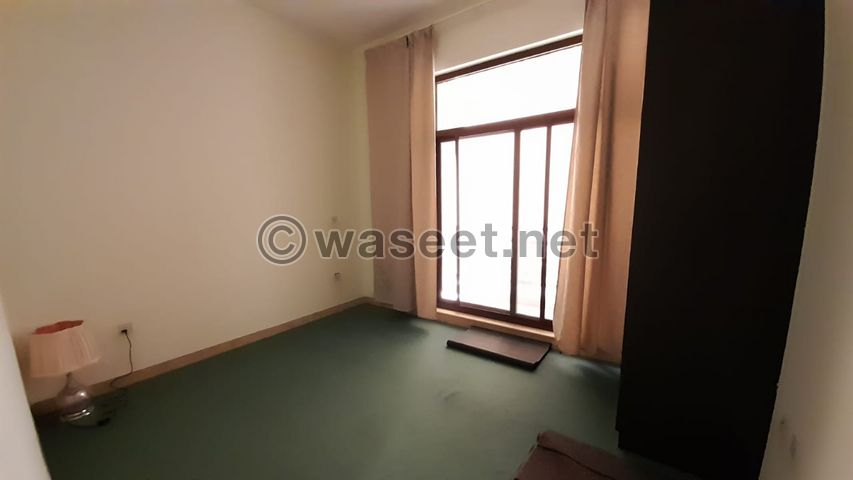 3bedroom apartment and one room for the worker 5