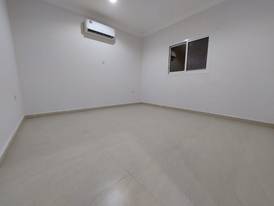 Mulhaq Private entrance 2 bedrooms with 2 washroom