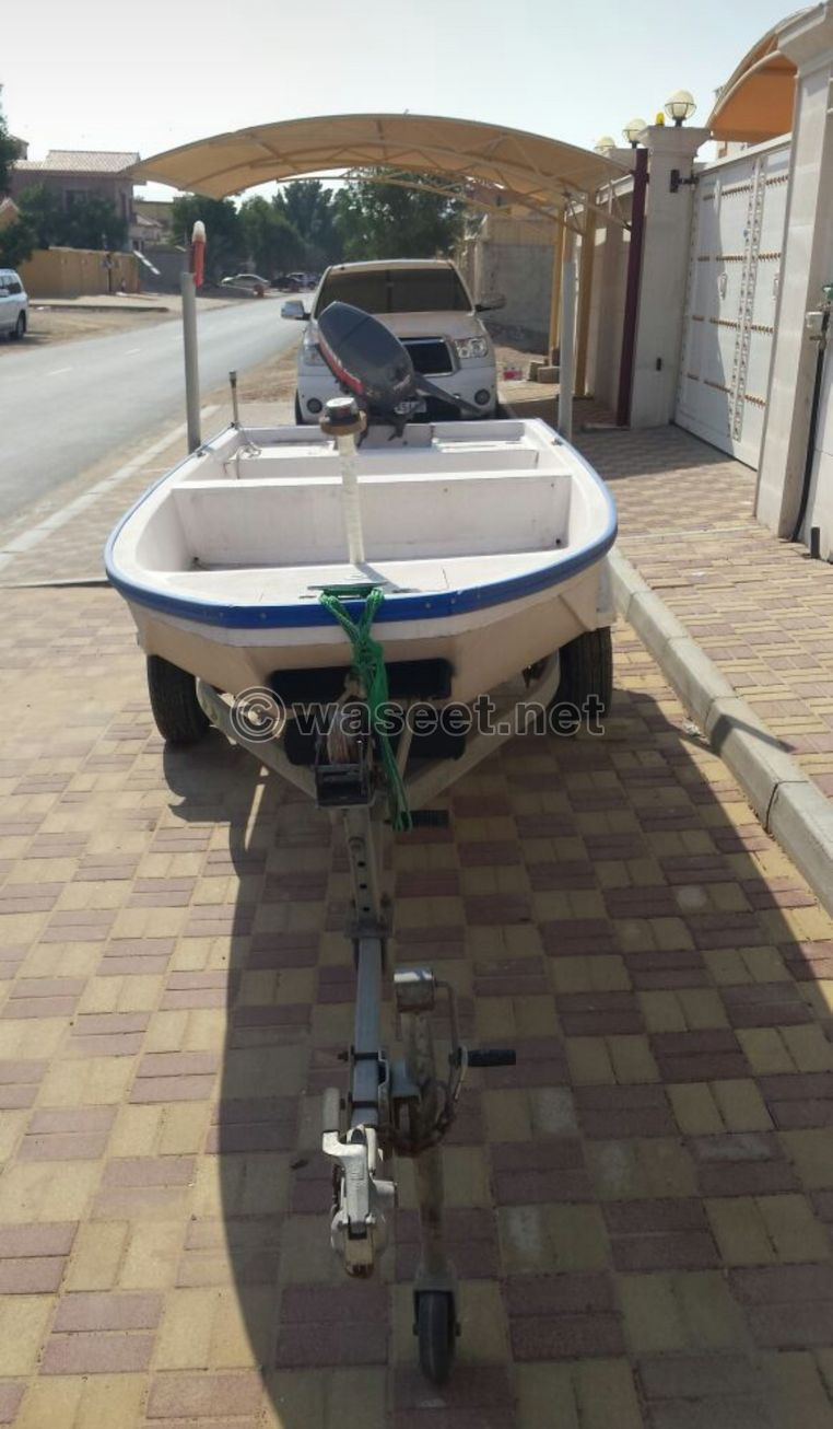 قارب صغير مع قالوصة 2