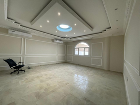 superb 8 bedrooms majlis Hall