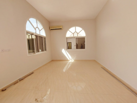 Private entrance 3 bedrooms hall