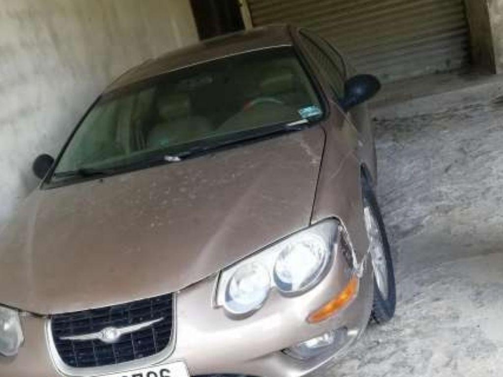 Chrysler m300 2001  1000 dollars 3